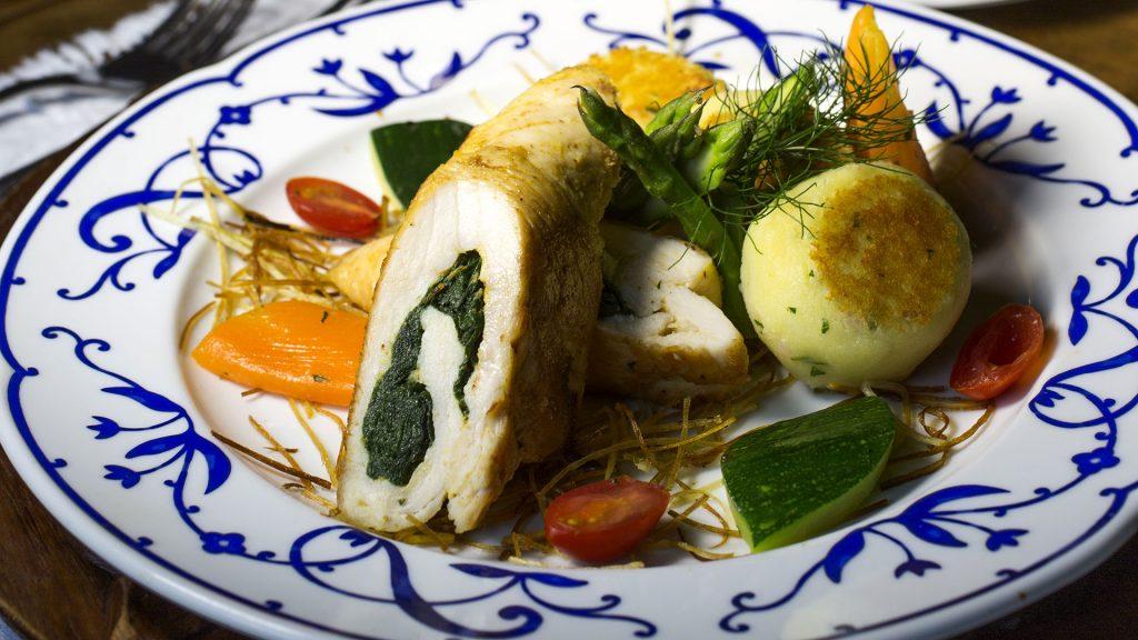 dining hacienda cusin