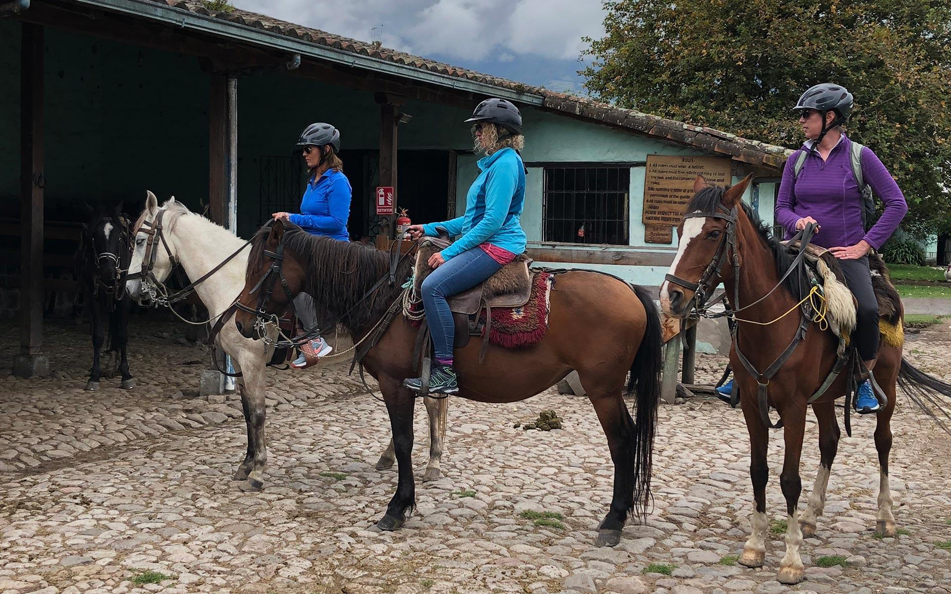 hacienda cusin horse riding